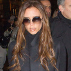 The 7 O'Clock Round-up: Victoria Beckham stuck in lift?