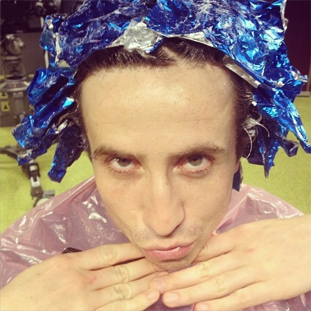 Nick Grimshaw dyes his hair pink for Comic Relief