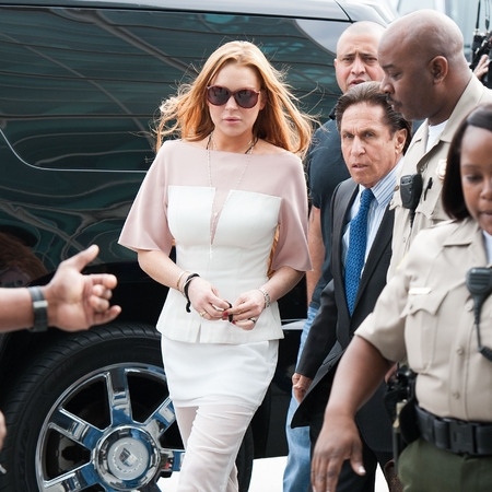 Lindsay Lohan gets glitter bombed outside court
