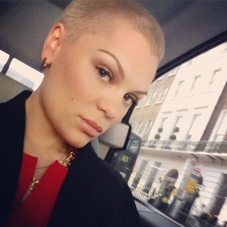 Jessie J does less is more beauty