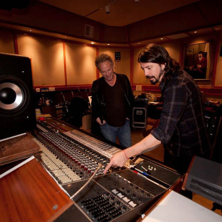 Dave Grohl directs Sound City documentary