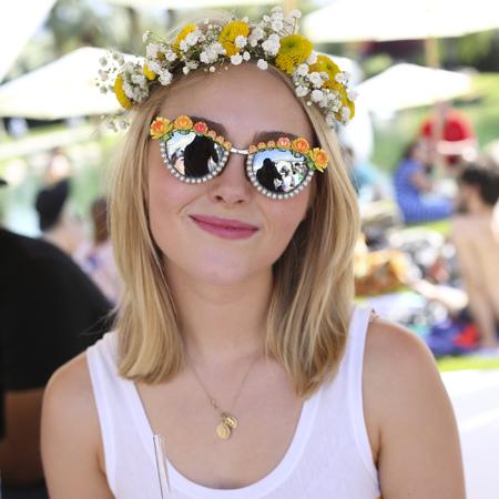 AnnaSophia Robb wears sunglasses at Coachella festival 2013