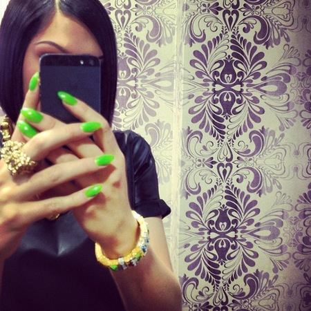 Jessie J neon green nails