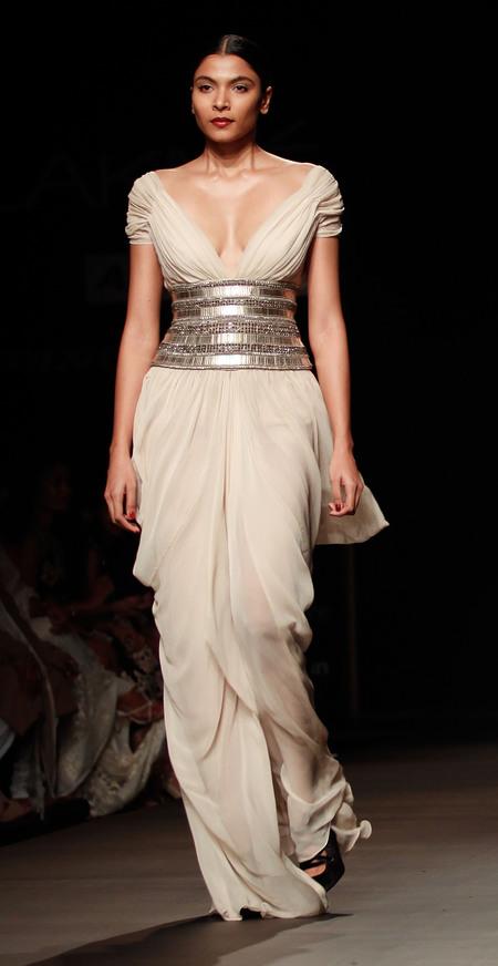 Luciana Barrosso's Naeem Khan wedding dress
