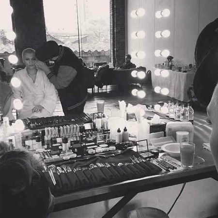 Jessie J on secret shoot, backstage makeup