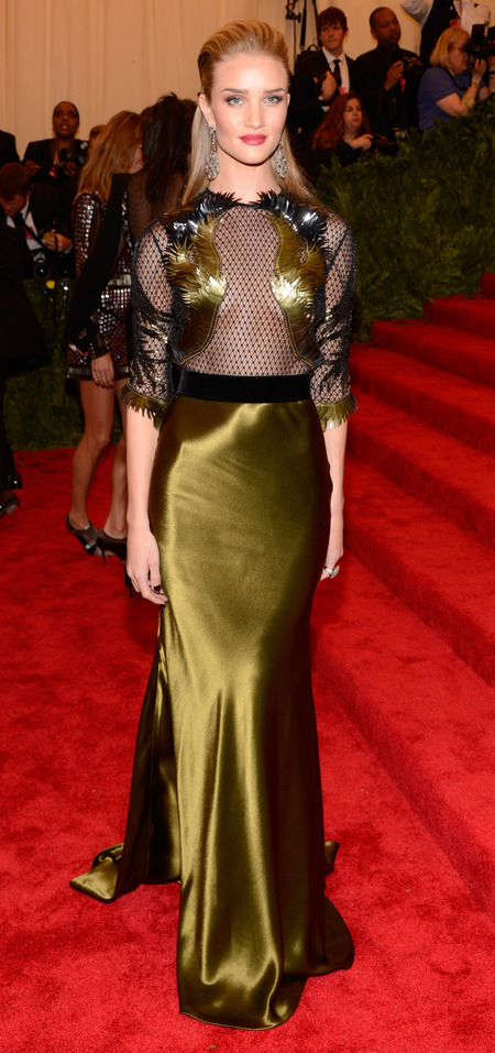 Rosie Huntington-Whiteley in Gucci dress at Met Ball 2013