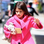Suri Cruise signs deal to launch own clothing line