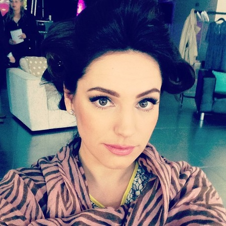 Kelly Brook behind the scenes Ultimate Shopper job