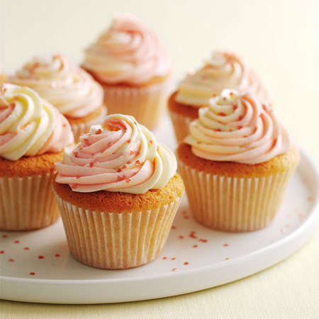Marry Berry's vanilla cupcakes with swirly icing