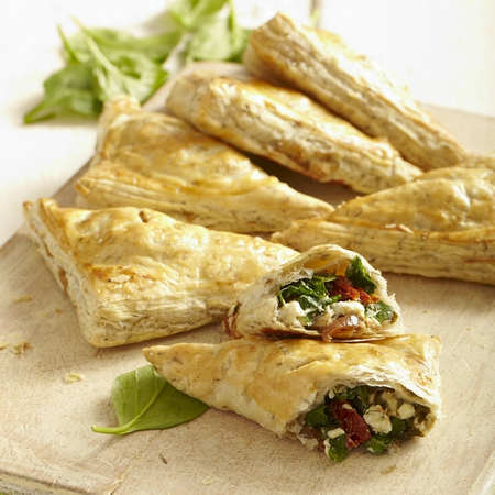 Feta, Spinach and Tomato puff pastry wraps recipe