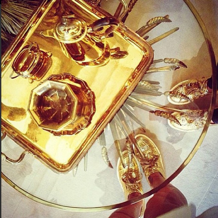 Rihanna Instagram tea set glass