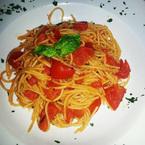 Nicole Scherzinger tucks into an Italian feast