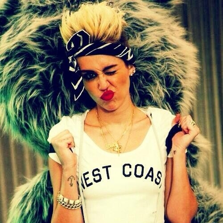 Miley Cyrus premieres We Can't Stop music video