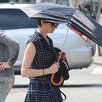 Anne Hathaway does casual summer style on set in New York