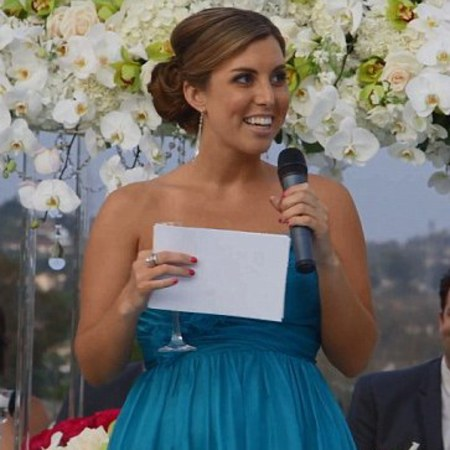 Bridesmaid raps wedding speech