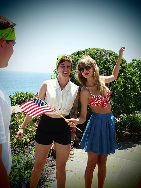 Taylor Swift wears a retro bikini for Fourth of July