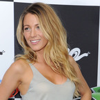 HAIR HOW TO: Blake Lively on creating beachy waves