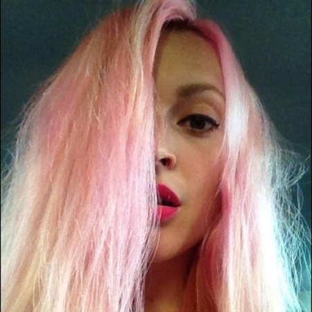 Fearne Cotton dyes her hair pink