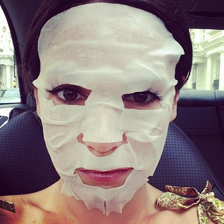 Kelly Brook in Shu Uemera Face Mask