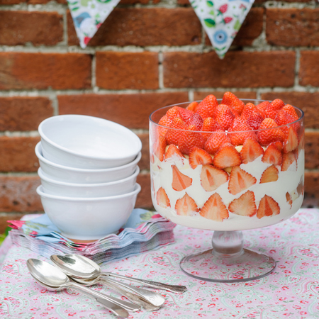 Strawberry trifle recipe