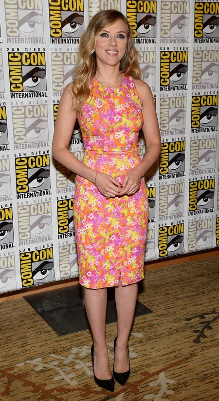 Scarlett Johansson steals Comic-Con in bright floral prints