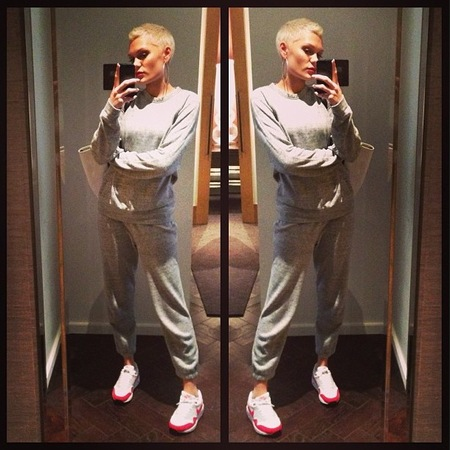 Jessie J shows off sportswear on Instagram