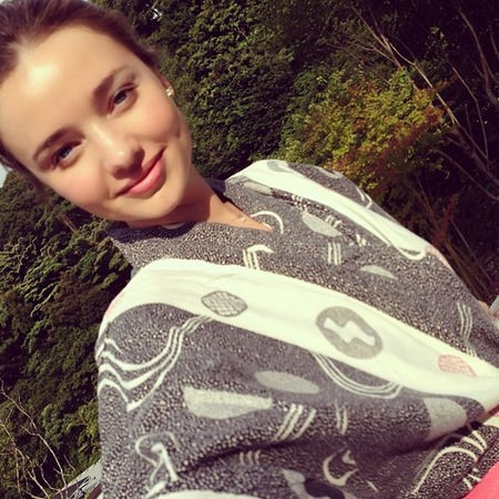 Miranda Kerr flawless skin in Japan