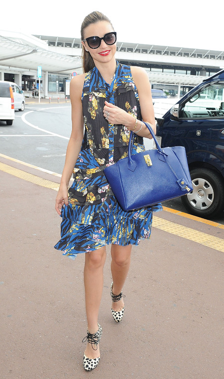 Miranda Kerr masters airport chic in summer prints