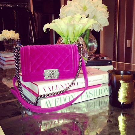 Khloe Kardashian's hot pink Chanel bag and fashion books - Khloe Kardashian fashion - Kardashian handbags - celebrity style - celebrity fashion - handbag.com