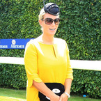 Pregnant Zara Phillips pops in bright yellow