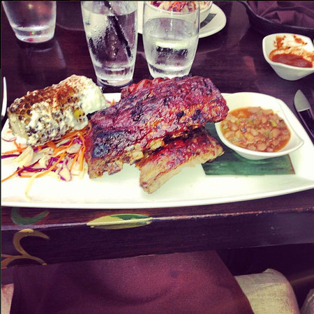 Jessie J Los Angeles dinner BBQ pulled pork, ribs