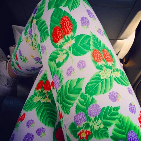 Jessie J raspberry leggings