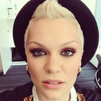 WEEKEND MAKEUP: Jessie J's bronze smoky eyes