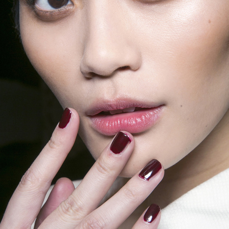 Oval shaped nails at DSquared2
