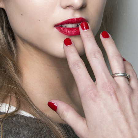 Short and square red nails at Roccobarocco