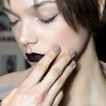 Grey nails at Vivienne Tam