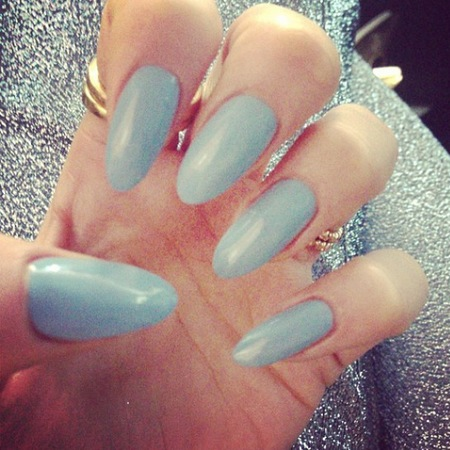 Jessie J duck egg blue nails for Daybreak