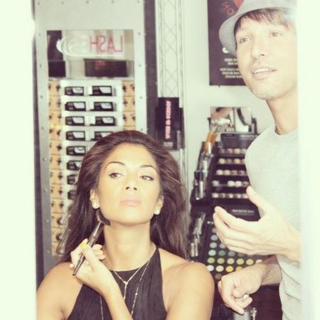 Nicole Scherzinger makeup lesson