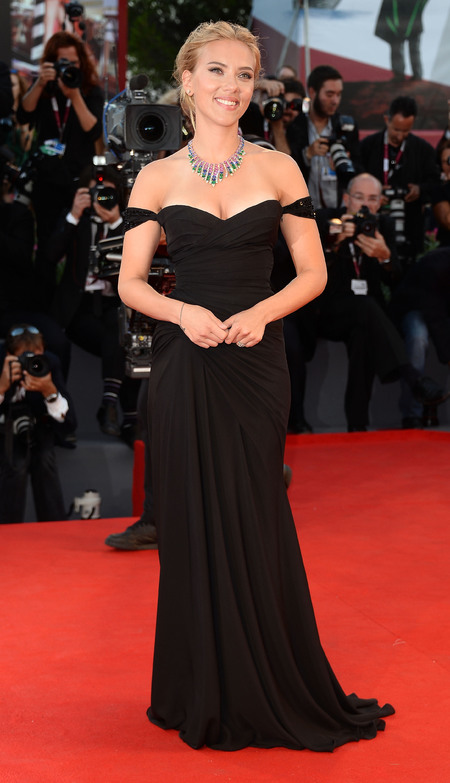 Scarlett Johansson takes plunge in Versace at Venice Film Festival