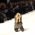 Top 5 supermodel falls on the Fashion Week runway