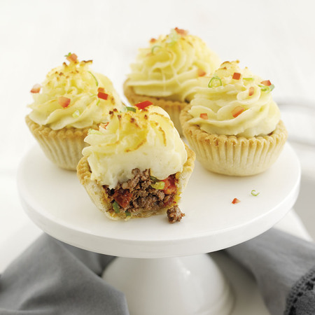 Lamb cupcake recipe with sun-dried tomatoes and mash potato icing
