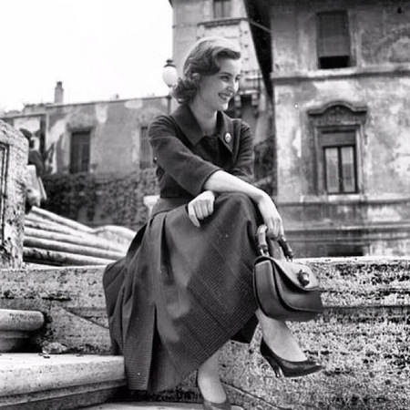 Italian actress Ilaria Occhini with an early #GucciBamboo bag, circa 1956