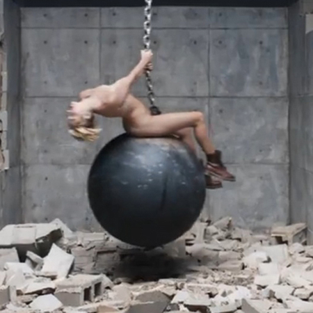 Miley Cyrus naked for Wreking Ball video