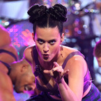 Katy Perry débuts Minnie Mouse hair style
