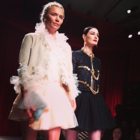 Jodie Kidd and Erin O'Connor on the runway at Moschino SS14