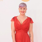 Emmys 2013: Kelly Osbourne is striking in red