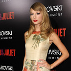 Taylor Swift is pretty in Reem Acra florals