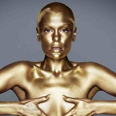 Jessie J in gold bodypaint for new album