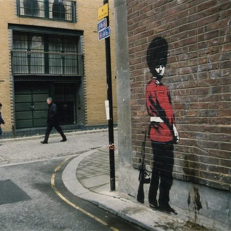 Banksy beefeater guard image