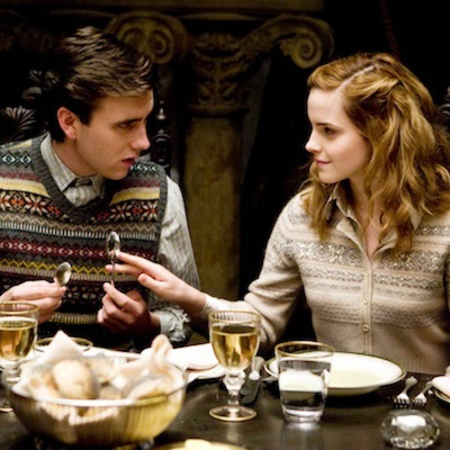 harry-potter-neville-longbottom- Emma Watson - harry potter - knitwear in films - handbagcom